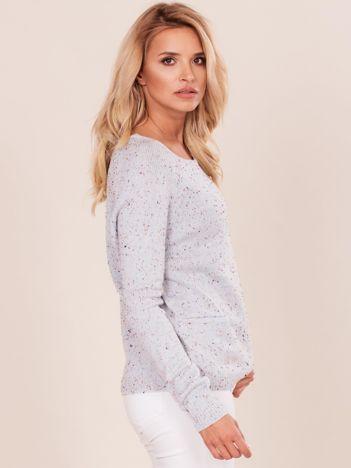 Niebieski sweter boucle