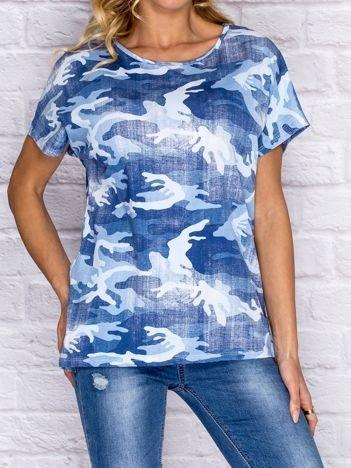 Niebieski t-shirt moro z koronkową wstawką na plecach