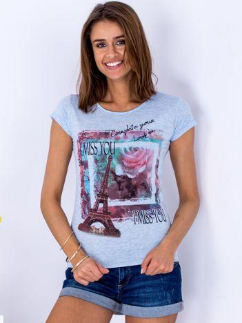 Niebieski t-shirt z kolorowym printem