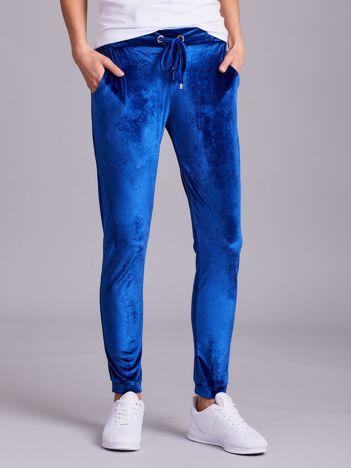 Niebieskie aksamitne spodnie