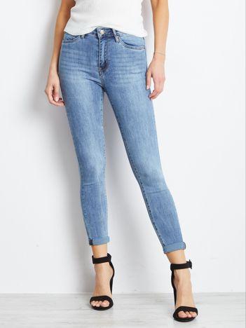 Niebieskie jeansy Crushin