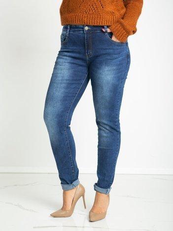 Niebieskie jeansy plus size Hillary