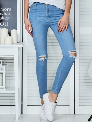 Niebieskie jeansy vintage o dopasowanym kroju