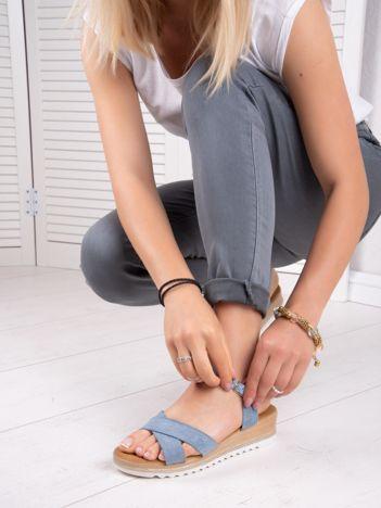 Niebieskie sandały BELLO STAR na podwyższeniu z paskami na krzyż