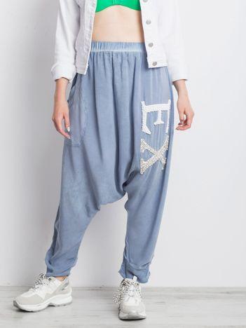 Niebieskie spodnie Halfway