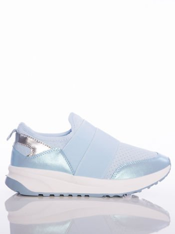 Niebieskie wsuwane buty sportowe Rue Paris z ażurową cholewką i opalizującymi wstawkami