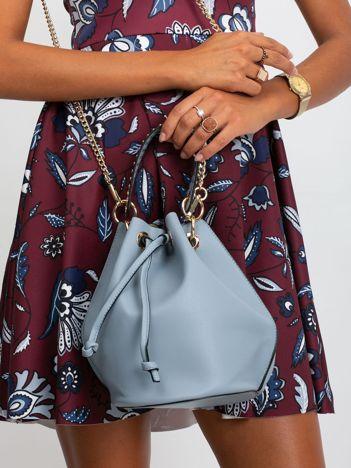 Niebiesko-szara torebka z łańcuszkiem