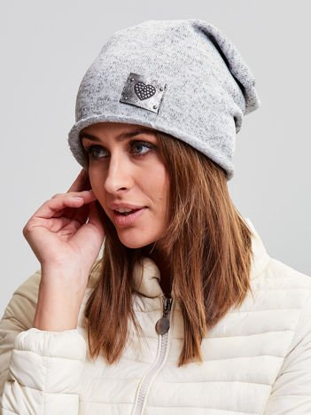 Ocieplana bawełniana czapka beanie z naszywką jasnoszara