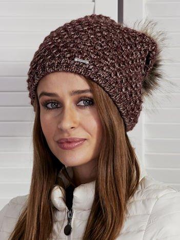 Ocieplana czapka damska z pomponem i wełną burgundowa