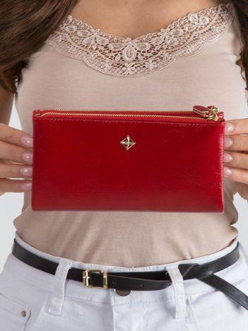 Podłużny damski portfel czerwony