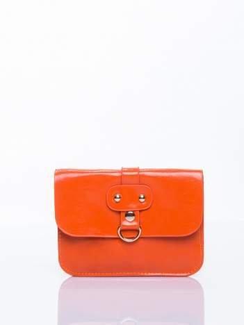 Pomaranczowa torebka listonoszka z klapką