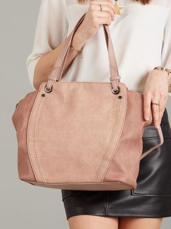Pudroworóżowa torba ze skóry ekologicznej