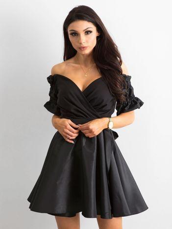 174f6bfece Sukienki małe czarne idealne na wiele okazji w sklepie eButik.pl!