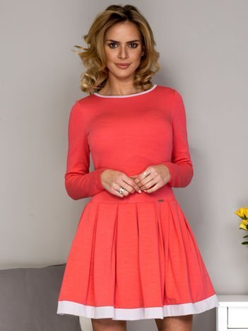 Rozkloszowana sukienka damska koralowa
