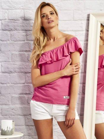 Różowa bluzka z hiszpańskim dekoltem