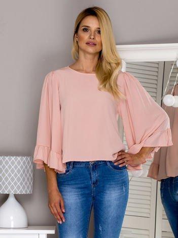 Różowa bluzka z szerokimi rękawami