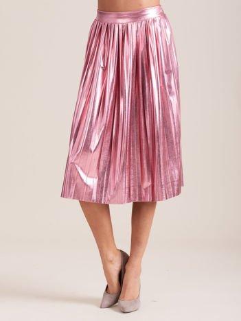 Różowa błyszcząca plisowana spódnica