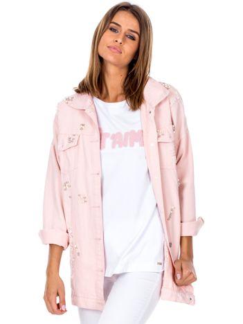 Różowa jeansowa kurtka z perełkami