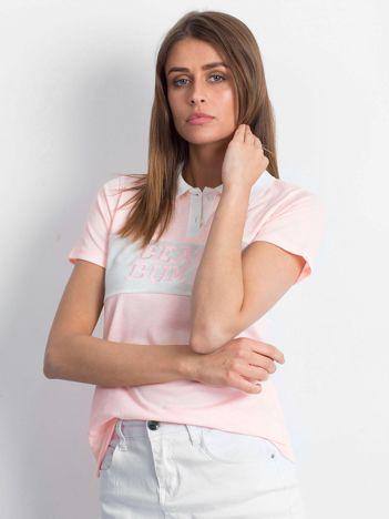 Różowa koszulka polo z napisem