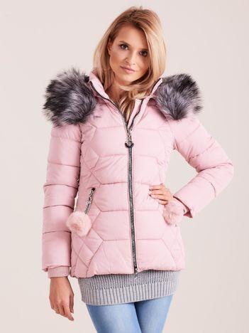 Różowa kurtka puchowa z kapturem