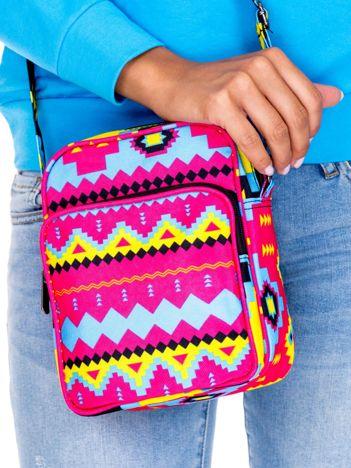 Różowa materiałowa torba listonoszka w azteckie wzory