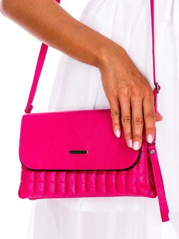 Różowa pikowana kopertówka