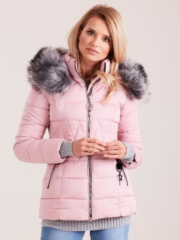 Różowa pikowana kurtka damska