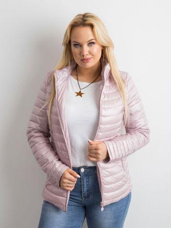 Różowa pikowana kurtka plus size
