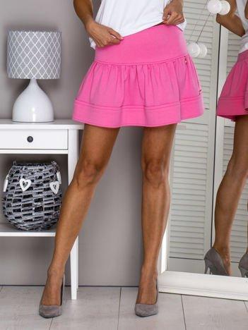 Różowa spódnica z przypinką