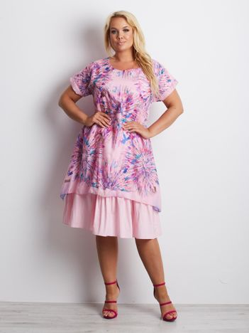 Różowa sukienka plus size Miramax