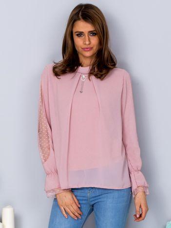 Różowa szyfonowa bluzka z wisiorkiem