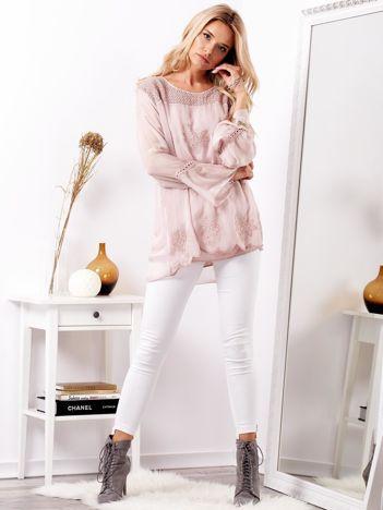 Różowa zwiewna bluzka z haftem i jedwabiem