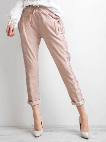 Różowe spodnie damskie