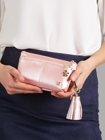 Różowy perłowy portfel-saszetka ze skóry