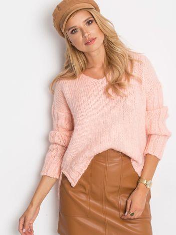 Różowy sweter Gift
