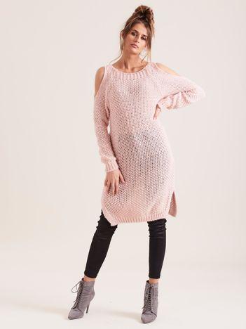 Różowy sweter cold arms