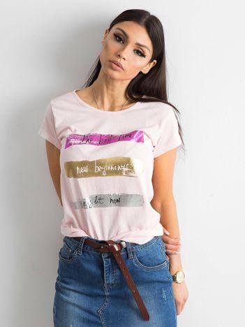 Różowy t-shirt bawełniany z nadrukiem