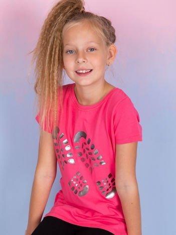 Różowy t-shirt dla dziewczynki z odciskiem buta