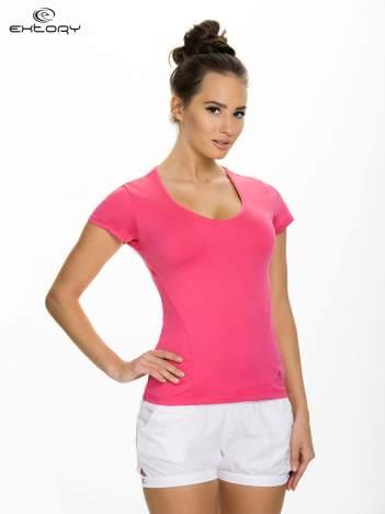 Różowy t-shirt sportowy z dekoltem U