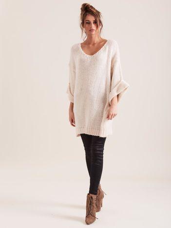 SCANDEZZA Beżowy długi sweter oversize