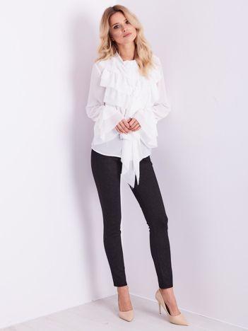SCANDEZZA Biała koszula z falbankami i wiązaniem