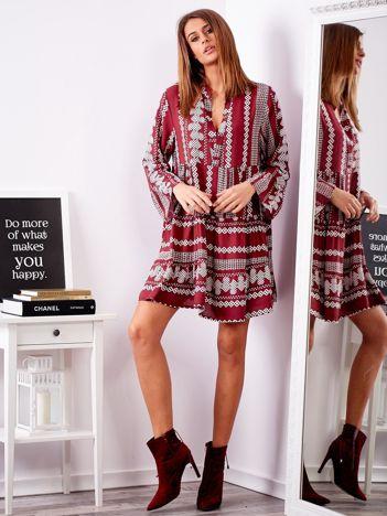 SCANDEZZA Bordowa sukienka w etniczne wzory
