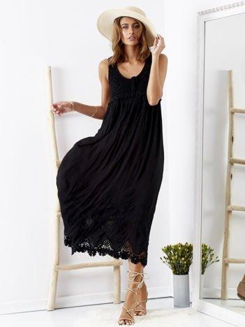 SCANDEZZA Czarna sukienka z ażurową górą i koronką