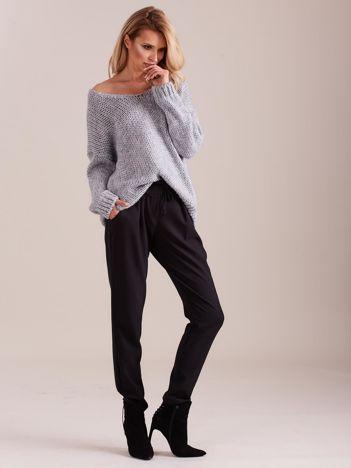 SCANDEZZA Jasnoszary luźny sweter