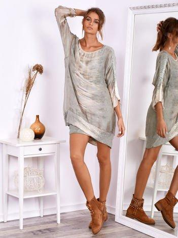 SCANDEZZA Khaki sukienka oversize z cekinami w malarski deseń
