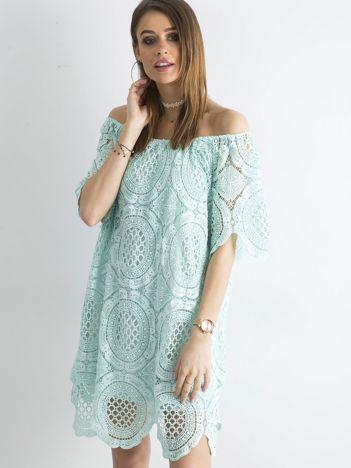 SCANDEZZA Miętowa koronkowa sukienka hiszpanka