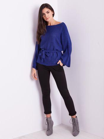 SCANDEZZA Niebieski sweter z szerokimi rękawami