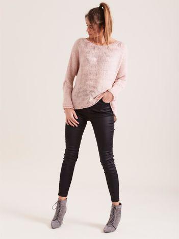 SCANDEZZA Różowy luźny sweter