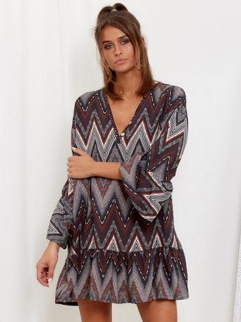 SCANDEZZA Szaro-bordowa sukienka w geometryczny nadruk