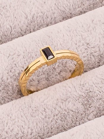 STAL NIERDZEWNA 316L Elegancki Złoty Pierścionek z Czarnym Kamyczkiem